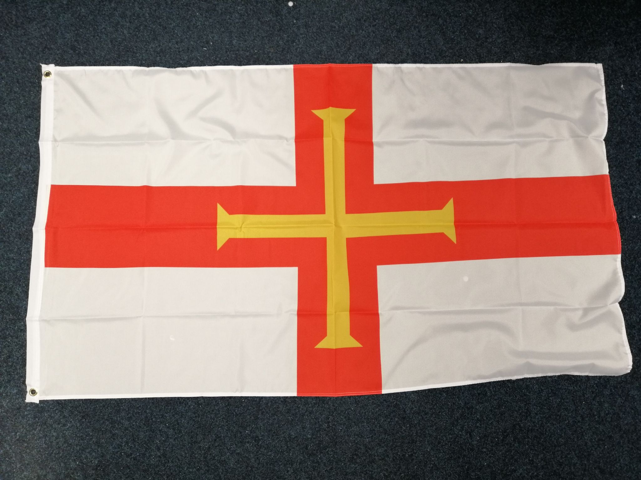 GUERNSEY 5ft X 3ft Flag 75denier with eyelets suitable for Flagpoles